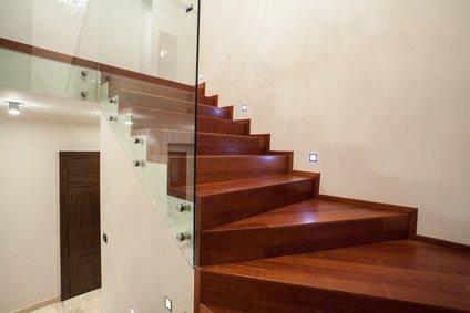 holztreppe aus eiche - Treppe Mitten Im Wohnzimmer